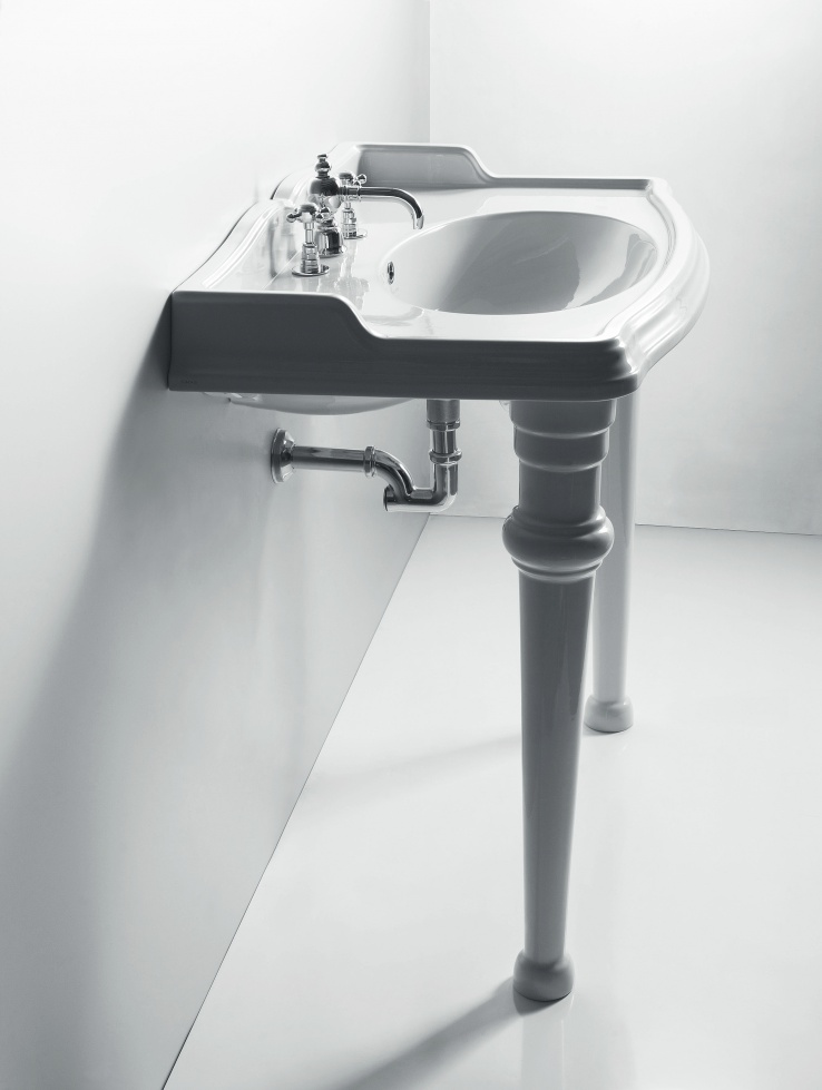 klassiek sanitair, wastafel met poten