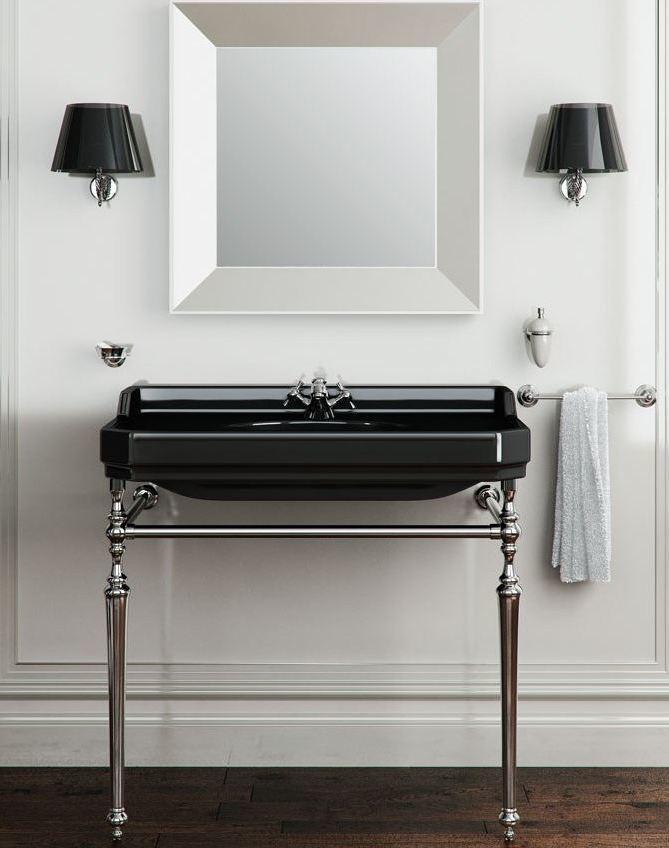 art deco badkamer, zwarte wastafel met metalen onderstel