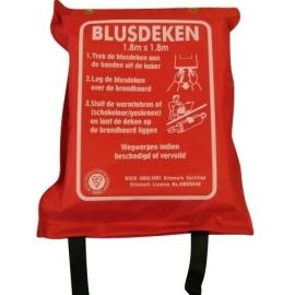 Blusdeken 180x180 cm in zak
