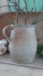 Oud aardewerken kannetje