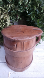 Oude houten melkpul VERKOCHT