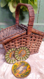 Oud kinder picknickmandje