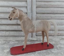 Oud speelgoed paardje VERKOCHT