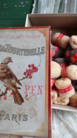 Oude wol doos Paris duif 1 VERKOCHT