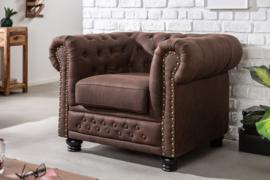 Chesterfield fauteuil 105cm vintage bruin met knoopsluiting en veerkern
