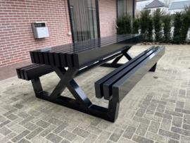 Picknicktafel van staal