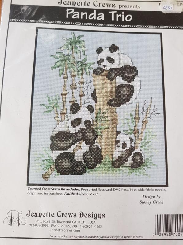 Borduurpakket panda trio - Jeanette Crews