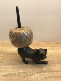 Touwhouder kat