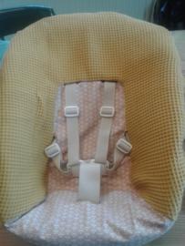 Newbornhoes 2 kleur oker