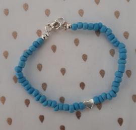 Azuurblauw met hartje