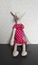 Vosje in roze jurk