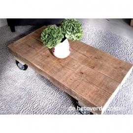 Lange smalle salontafel oude balken
