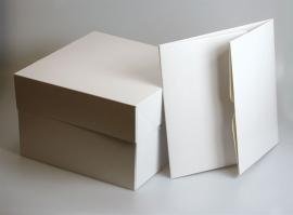 Witte hoge taartdoos 40x40x15 Cm per 10 stuks