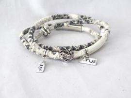 Gepersonaliseerde armband met naambedels