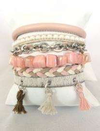 Armband Hipanemastijl roze met kwastjes