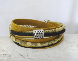 (Wikkel)armband mosterdgeel, animalprint zwart/mosterd (verstelbaar, dus zeer geschikt als cadeautje)
