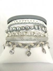 Armband Hipanemastijl grijs met muntjes
