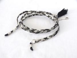 Zonnebril koordje van 5mm gevlochten leer, zwart/wit/grijs gemeleerd