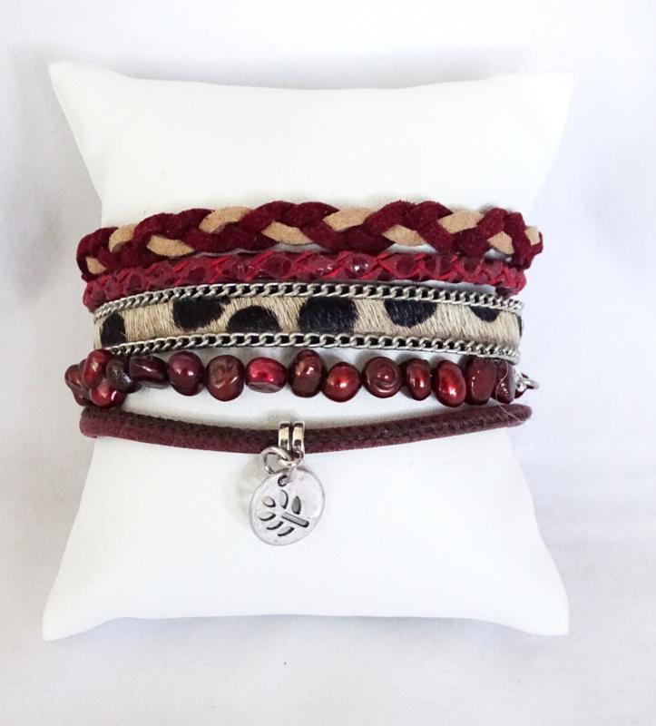 Hipanema armband donkerrood met dierenprint bandje