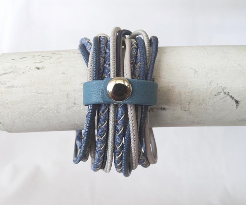 Wrap around armband in jeanstinten