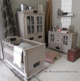 Babykamer met krijtbordjes ( Verkocht)