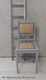 Antiek brocante stoeltje