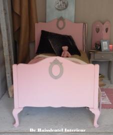 Queen Ann bed ( verkocht )