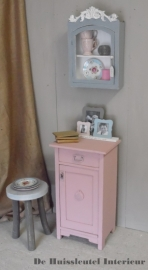 Antiek roze nacht/hal kastje ( Verkocht )