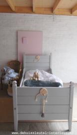 Meisjesbed grijs ( Verkocht)