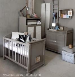 Landelijke babykamer ( Verkocht )