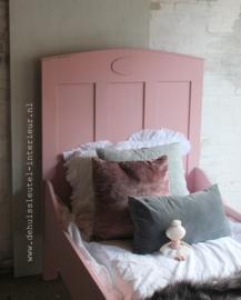 Antiek roze bed