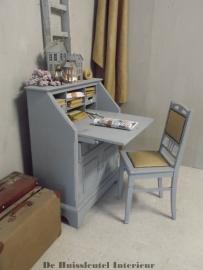Secretaire met stoel ( verkocht )