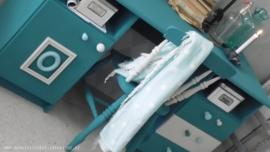 Hip Bureau ( Verkocht )