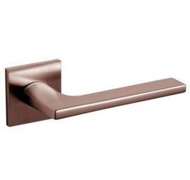 Olivari deurkruk Lotus Q op rozet brons mat titaan pvd