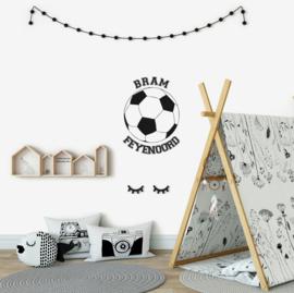Muursticker voetbal met eigen naam en voetbalclub