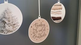 Statische raamsticker 'Kerstballen- Baby it's cold outside'- HERBRUIKBAAR