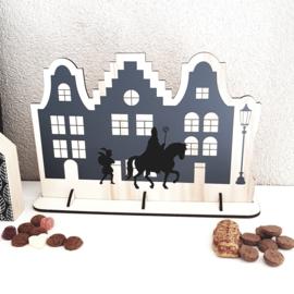 Houten bordje 'Huisjes met Sint en Piet', 21 x 31 cm