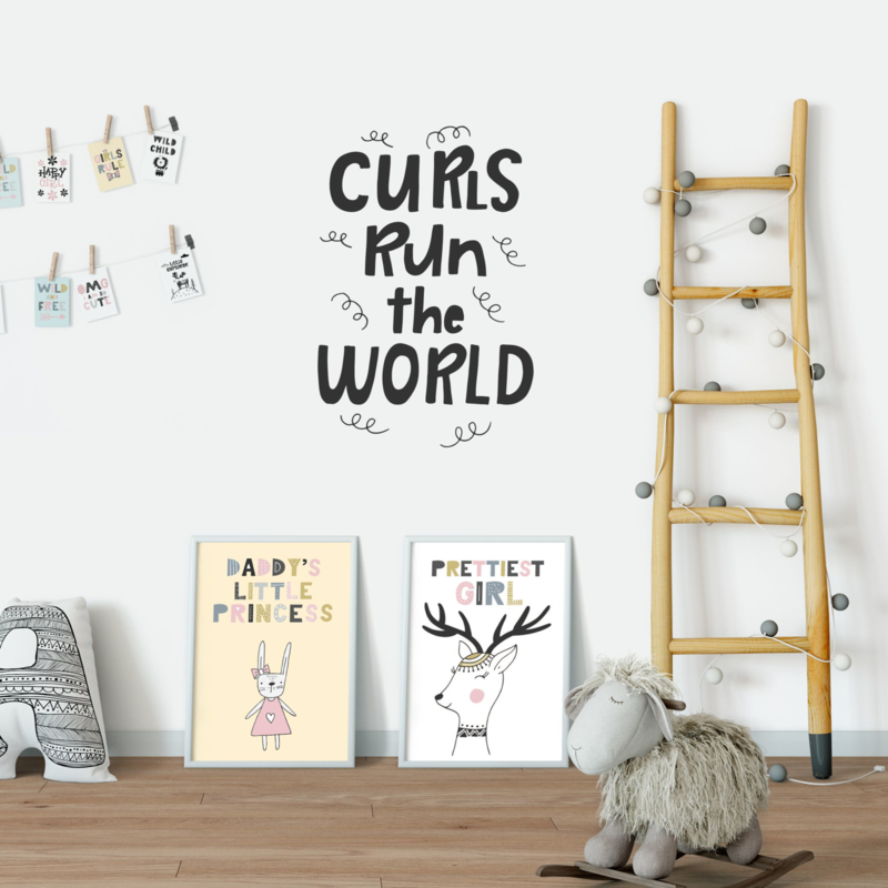 Muursticker 'Curls run the world'