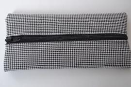 Leren pennenetui zwart wit ruit