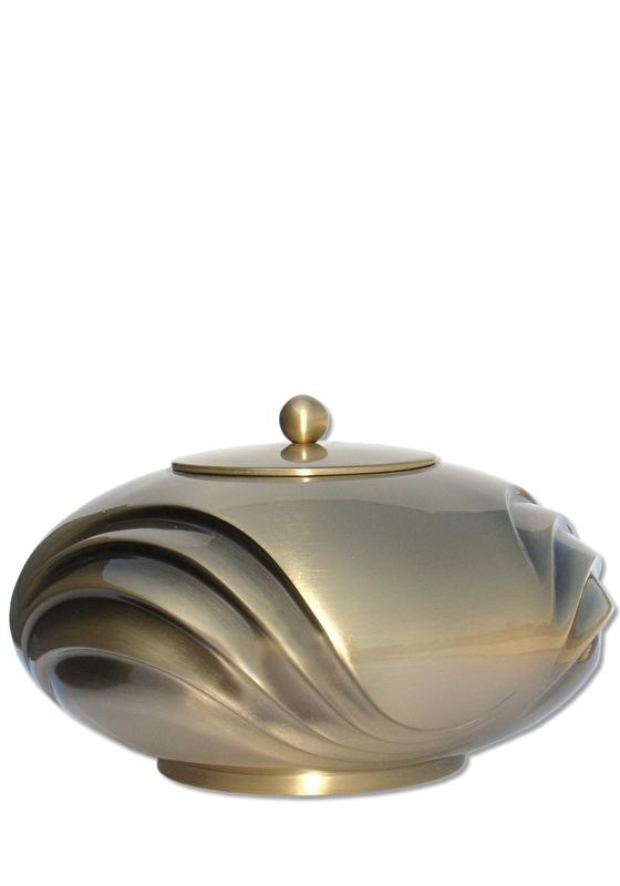 Mat bronzen urn
