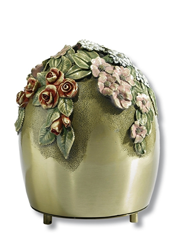 Gekleurde bloemen urn