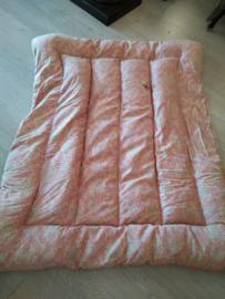 Roze boutis met mooi patroon