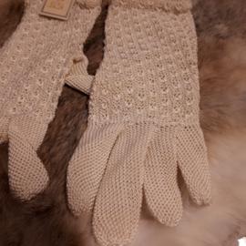 Ajour gebreide handschoentjes