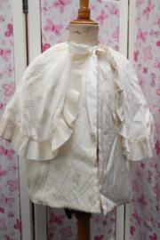 Crème kleurig jasje met cape