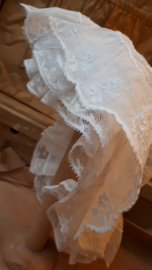 Schattig kanten antieke bonnet
