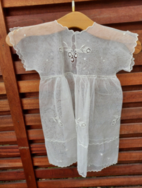 Lief  geborduurd jurkje