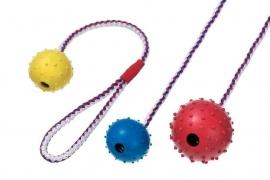 Harde bal aan touw