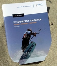 IKO Kiteboarders Handbook 4th Edition Kitesurfen voor beginners
