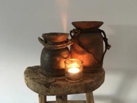 Originele oude houten Nepalese kruik nr. 107 (Links)