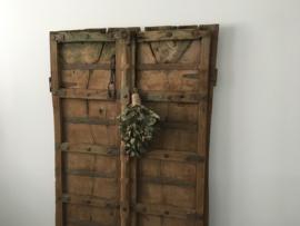Oude houten doorleefde deuren